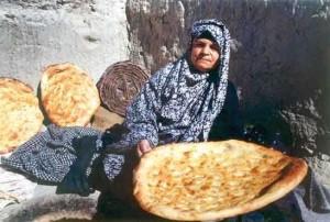 Woman_-baker_-Dolatabad_village_Sistan_Baluchestan1